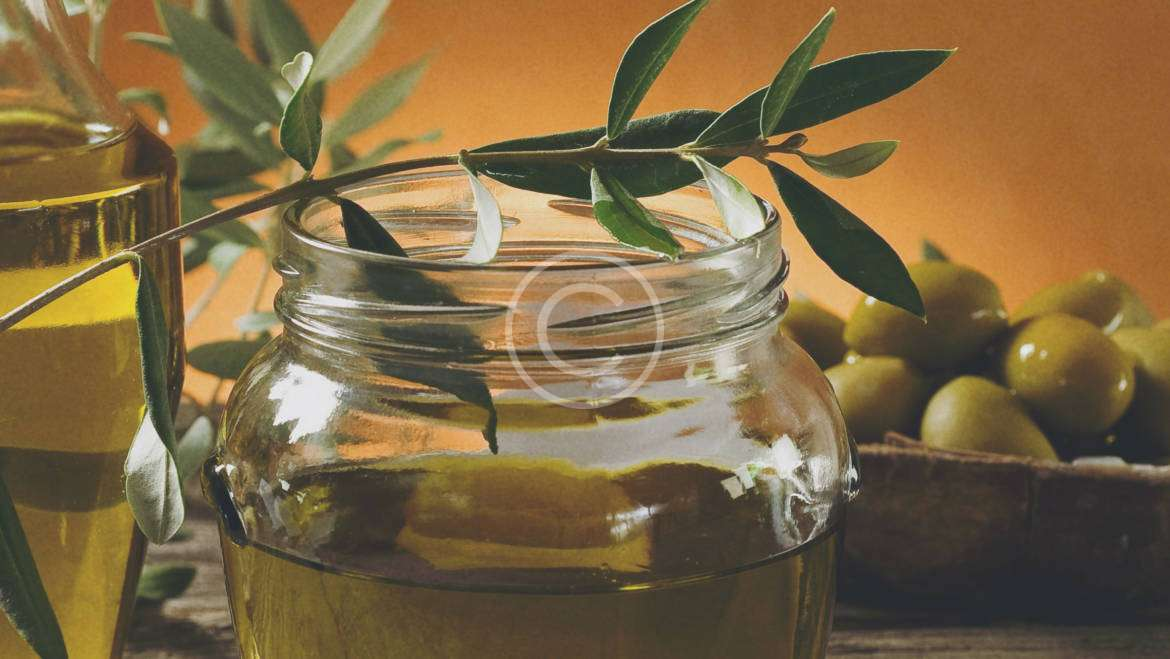 4 Ways to Use Fresh Herbs And Olive Oil
